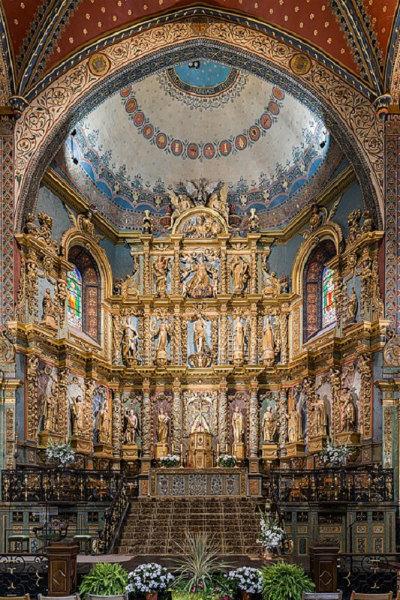9-L'altare della Chiesa di San Giovanni Battista di Saint-Jean-de-Luz.jpg