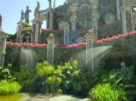 9-palazzo-borromeo-a-isolabella.jpg