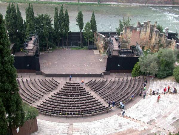 teatro-romano.jpg
