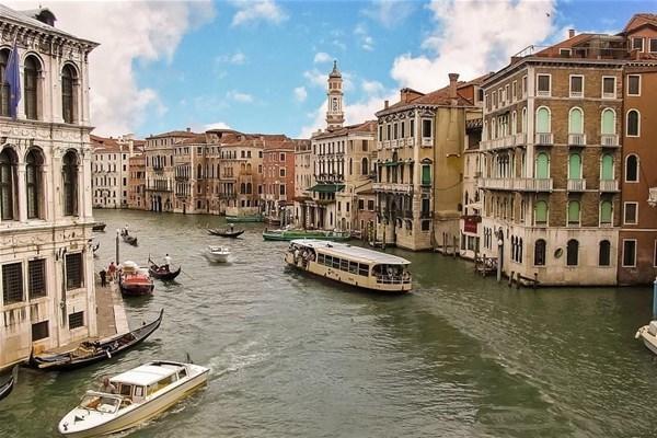 venezia-muoversi-con-i-mezzi-pubblici_GF.jpg